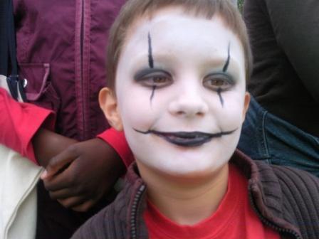 Id es de maquillages pour halloween les animations contes et jeux pour enfants de marjo le dino - Comment faire un maquillage de clown qui fait peur ...
