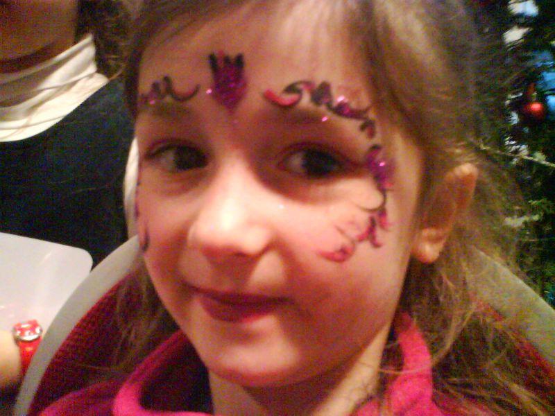 maquillagearbredenoelmarjolaineanimations12.jpg